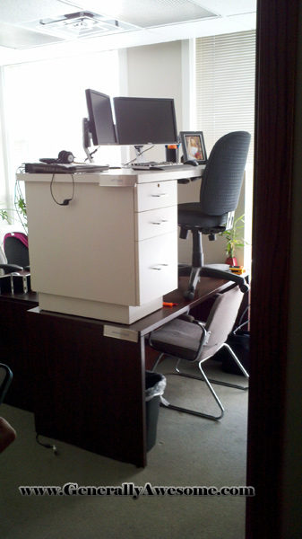Bunk desks office prank on co-worker on vacation!